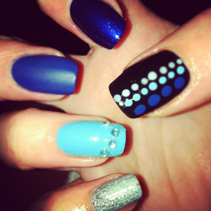 blue ombre mani (kind of!)150X150 Blue, Nails Art, Nails Design, Blue Ombre, Artsy, Nifty Nails, Art Ideas, Blue Mani, Blue Nails