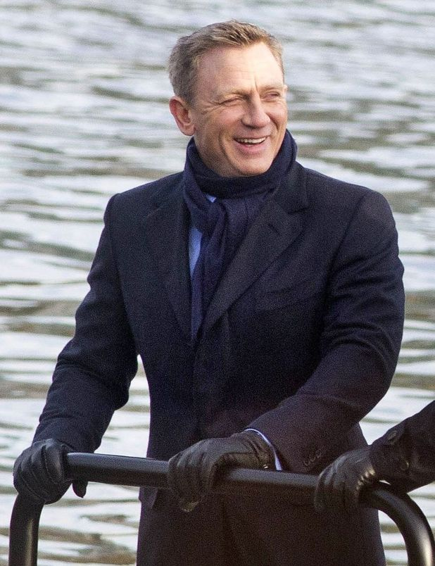 "Daniel Craig filming a scene for the upcoming movie ""SPECTRE"" in London on Dec. 16 /2014 #jamesbond #spectre #007 #bond24"