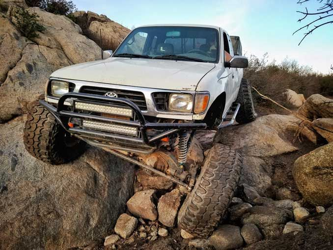 Interview Series Rig Life: Wheel Every Weekend – Toyota Tacoma built for Crawlerlanding!