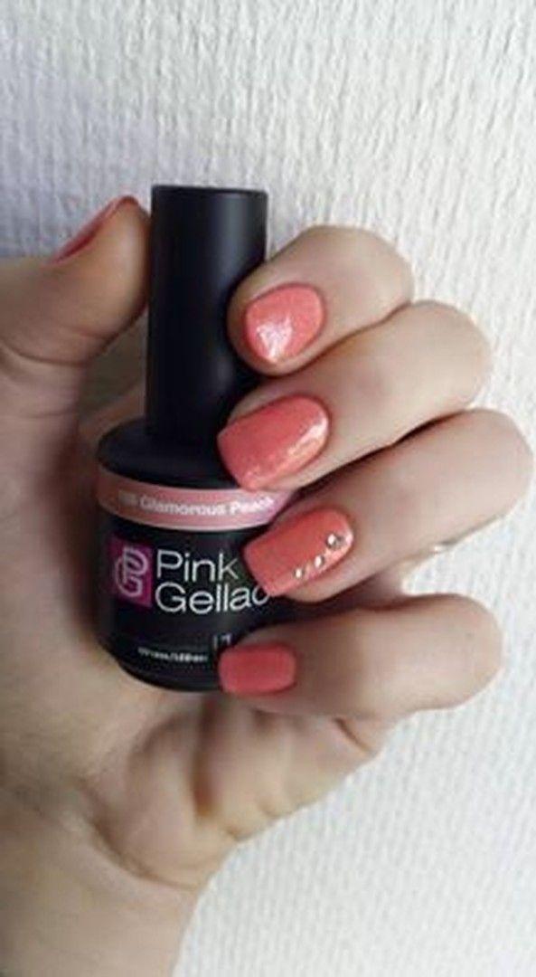shared Jessica Janssen's photo. Heerlijk zomers, geweldige kleur! #pinkgellac #glamorouspeach