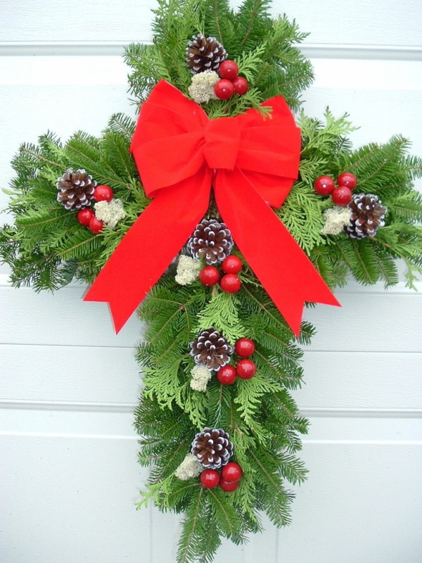 Fresh Christmas Cross Balsam Door Decoration