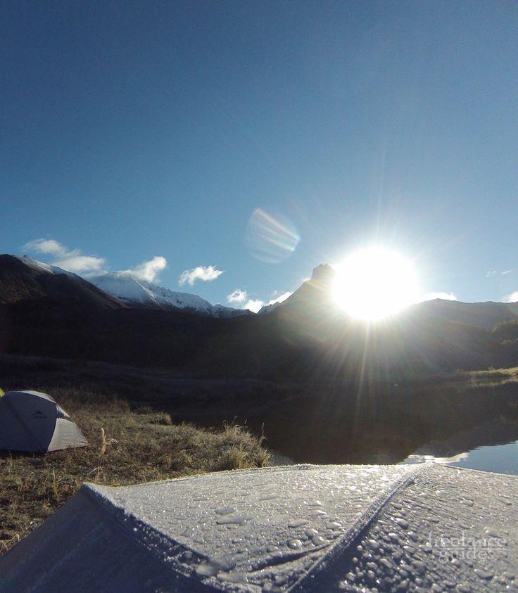 Рассвет на берегу горного озера. Вачкажец, Камчатка