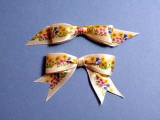 PEP & Paper: Tying A Patterned Ribbon Bow Right Side Up