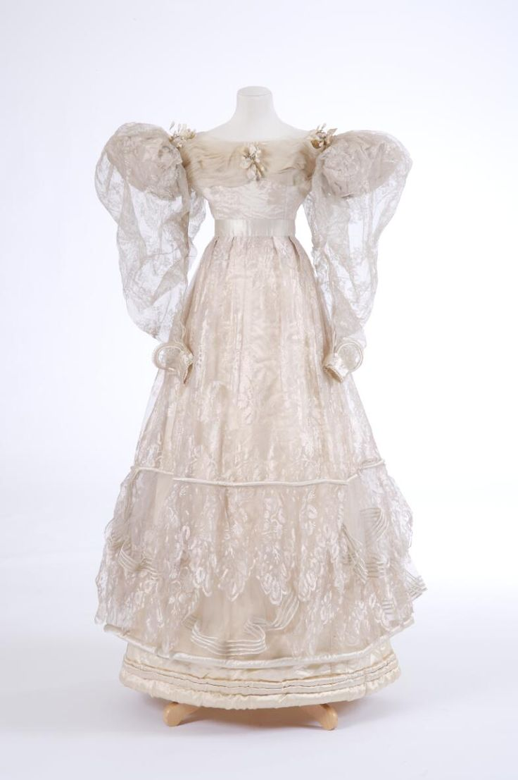 1829 - Gauze & satin evening dress with puffed 'gigot' sleeves