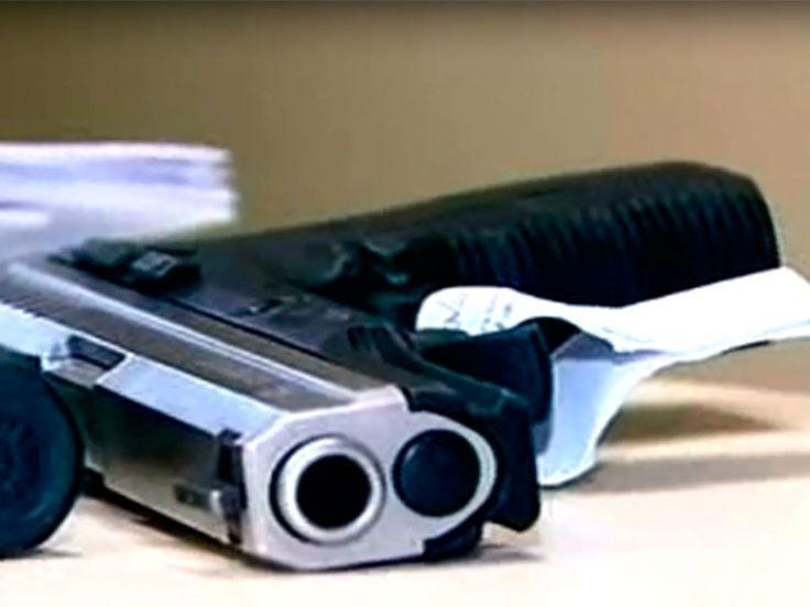 Armários de PMs da Grande SP eram esconderijo de crack, cocaína, maconha e armas - Notícias - R7 São Paulo