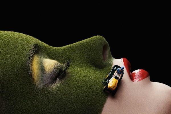 Photographer Stages Wonderful Scenes Using Mini Figures On Women's Faces - DesignTAXI.com
