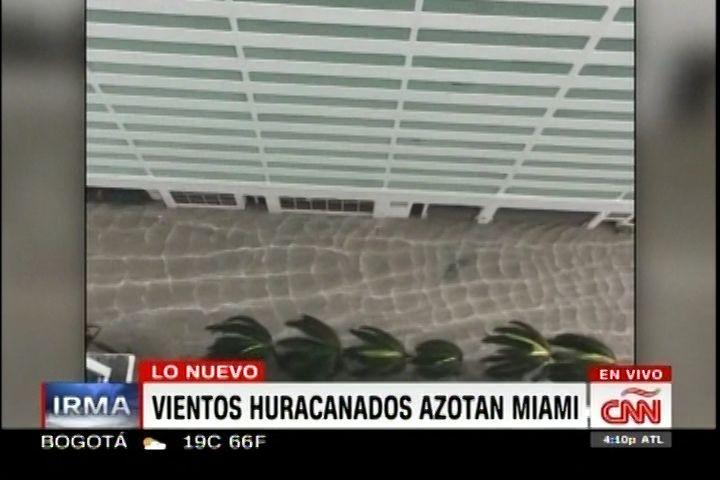 Llamada De Televidente Reportando Situación Actual De Miami Por El Paso De Huracán Irma