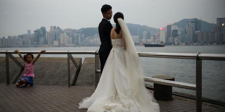 PT. Kontak Perkasa Futures - Pada Selasa (2/8/2016), Hongkong menjadi kota mati setelah angon topan Nida menghantam sambil membawa hujan deras. Angin kencang berkekuatan 151 kilometer per jam itu membuat bandara, sekolah dan perkantoran tutup. Saat ini topan Nida sedang menuju wilayah selatan…