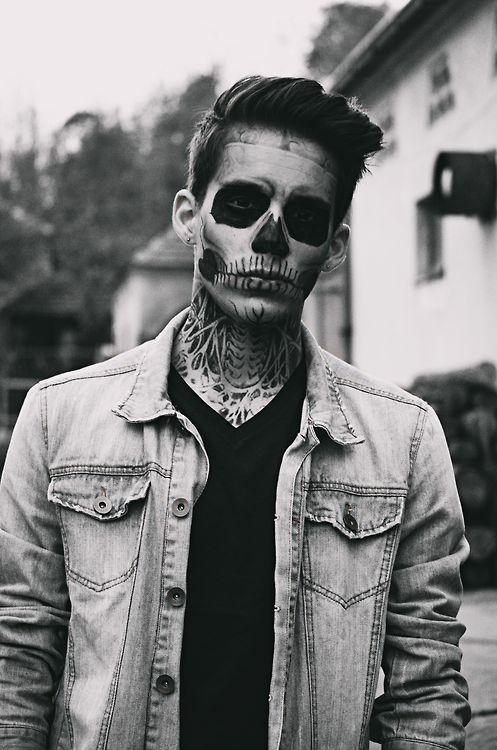 The 25+ best Men\'s halloween costumes ideas on Pinterest | Funny ...
