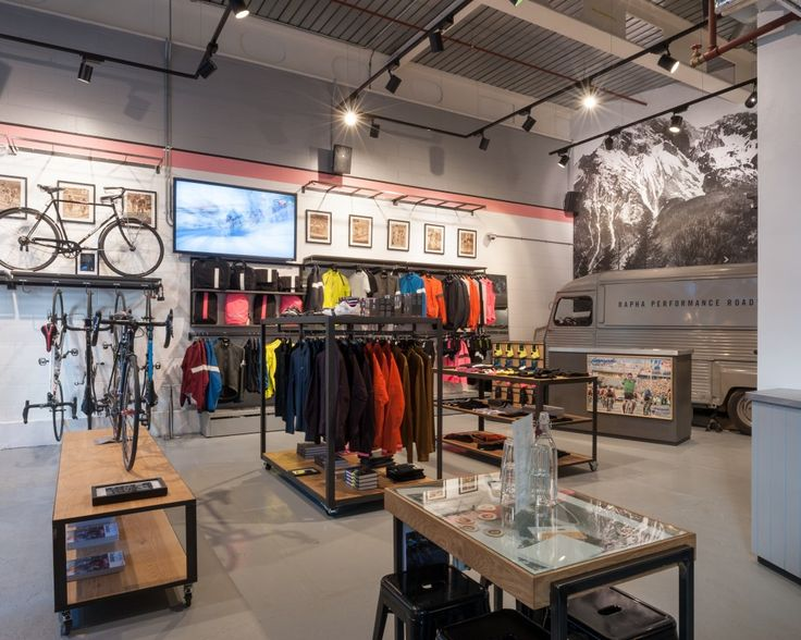 Rapha Cycle Club London: holds the entire range of Rapha products, as well as serving the finest food and coffee from the Club Cafe. Offering an unrivalled live racing watching experience, CCLDN is the perfect home for the sport and culture of road racing.