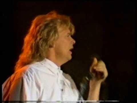 Help ~~ John Farnham ~~ Expo 88, Brisbane, Australia  -  The BEST version ever!!!!!I always wanted the white jacket/ shirt thing he had lol