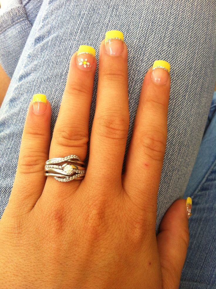 Yellow Tip White Daisy Wedding Nails Nail Art Prom Nails Yellow Nails Design Wedding Nails