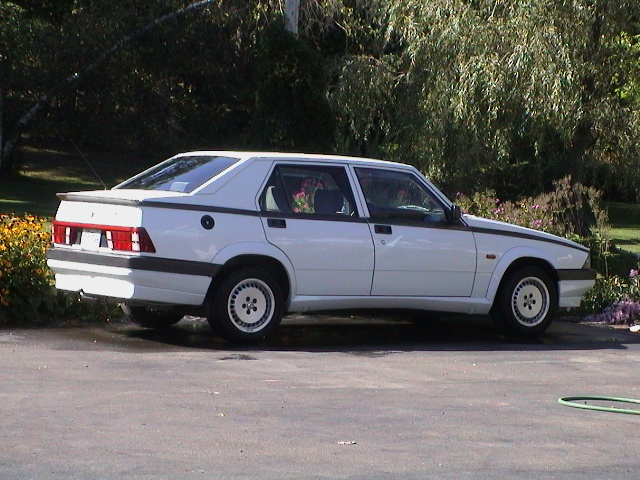 Number 6 and one of the best: Alfa 75!!