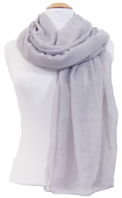 Foulard gris fines paillettes. Découvrez sur mesecharpes.com + de 150  foulards chic pour 5417f8c8fa0