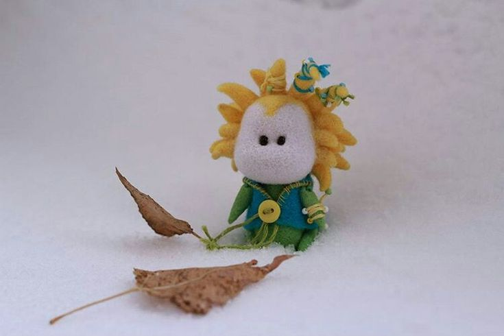 Маленький принц - игрушка ручной работы. Сухое валяние. Подарок на любой случай. Сент Экзюпери. Ищет дом. Продаётся. Felting. Needle felting. Wool. Little prince. Saint Exupéry. 小王子, 星の王子さま , yellow and green _________ #creative #creativetoys #creativeart #OOAK #arttoy #handcraft #art_we_inspire #artstagram #artistsoninstagram #творчество #арт #RHPкраски #nataliamatyushtoys #крошка #крошкапринц #маленький_принц #art