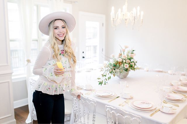 How to Throw The Perfect Galentine's Brunch