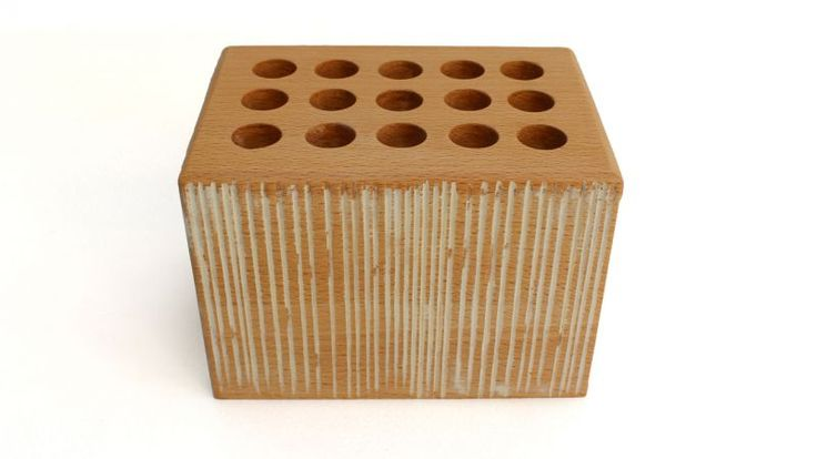 Beech penholder of Art.Intaglio Rectangular penholder of natural beech wood.