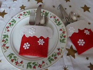Felt Utensil Holder. Theses are just the cutest, I can see Candy Cane holders for the children too.