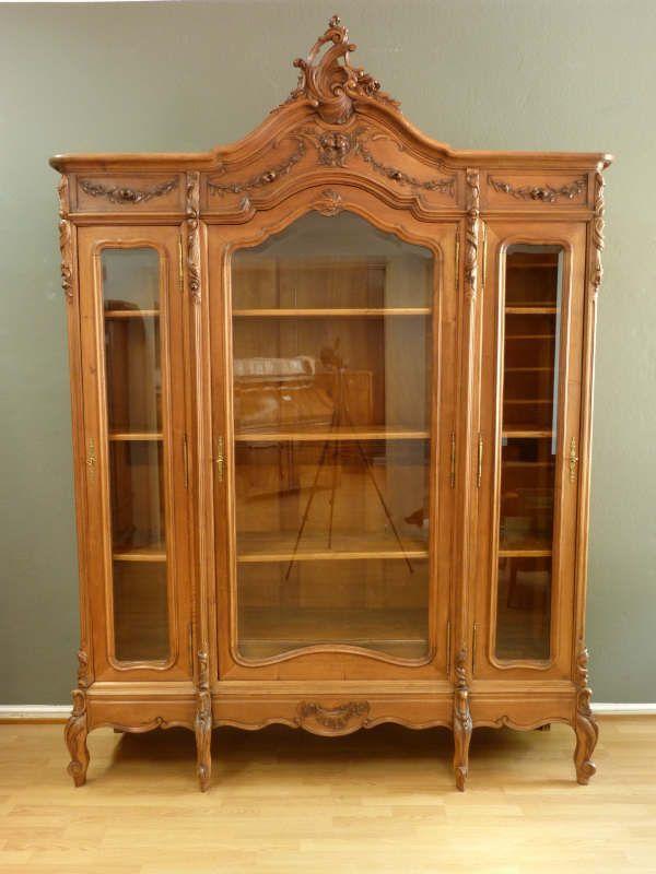 neobarocker b cher oder geschirrschrank nussbaum um 1900 antike m bel antique furniture. Black Bedroom Furniture Sets. Home Design Ideas