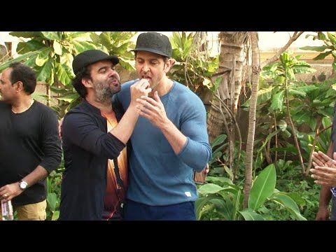 WATCH Hrithik Roshan celebrates his 42nd Birthday with Press and Media. See the full video at : https://youtu.be/ZkzZk0LmPLA #hrithikroshan