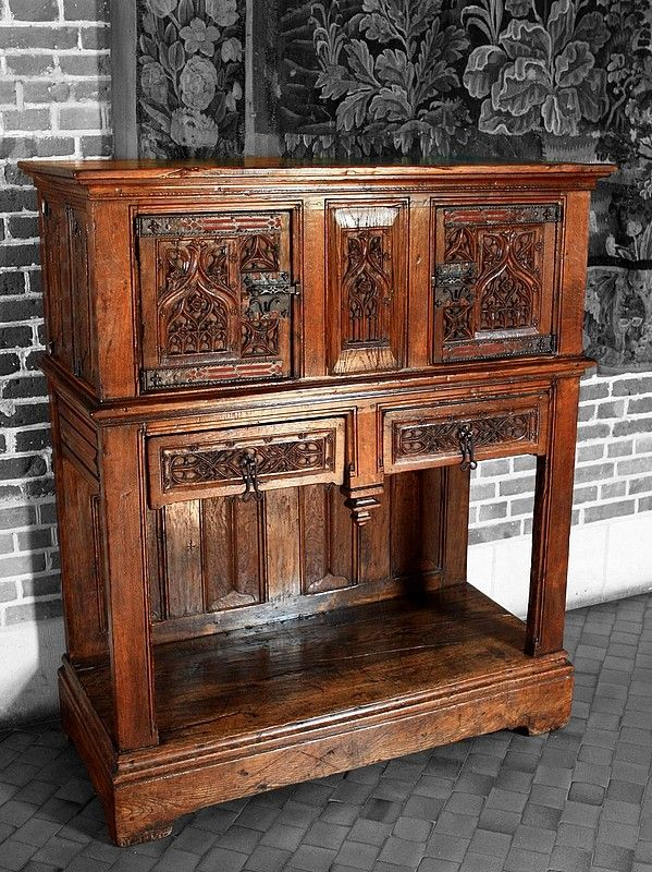 212 best gothic furniture images on pinterest middle ages medieval furniture and gothic furniture. Black Bedroom Furniture Sets. Home Design Ideas