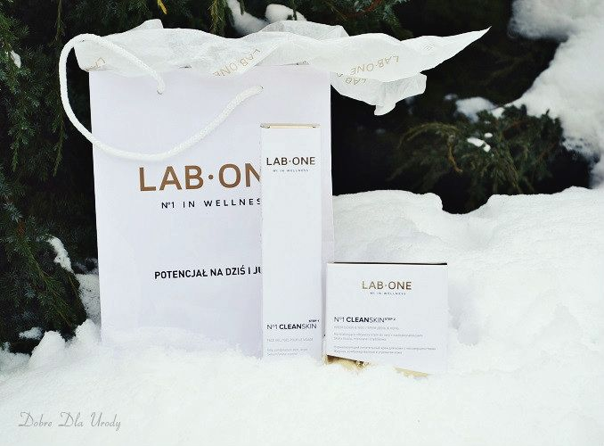 LAB ONE to polska firma oferująca kosmetyki oraz produkty wellness, które mają za zadanie kompleksowo dbać o wygląd i zdrowie.Rewolucja w pielęgnacji skóry i włosów! Postawiłam na pielęgnację twarzy, wybrałam dla siebie N°1 CleanSkin krok 1 - Antybakteryjny żel do mycia twarzy oraz krok 2 - Nawilżający krem do skóry problematycznej. Więcej wspaniałości znajdziecie tu https://system.lab1.com/shop/categories/5,0,wszystkie-produkty-lab-one.html recenzja za jakiś czas na...