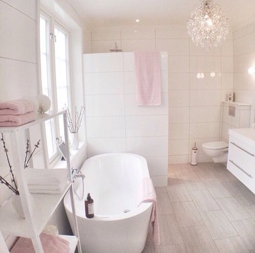 Beautiful pink and white bathroom , ladder shelf from www.melodymaison.co.uk