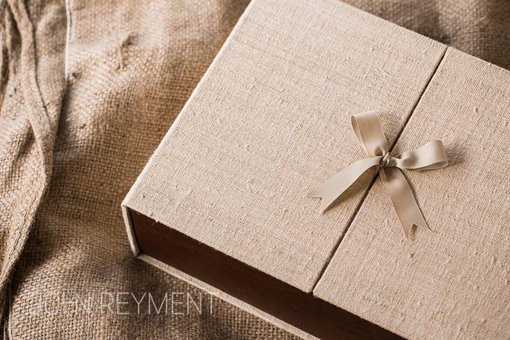 Google Image Result for http://reymentphoto.com.au/wp-content/uploads/2012/09/wedding-album-packaging-01.jpg