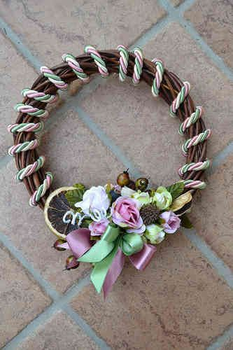 SMALL SIZED WREATH – Old Rose - PatriziaB.com  Fantastic handcrafted wreath, embellished with silk cordon spirals and a refined decoration of rosettes, berries and satin ribbons