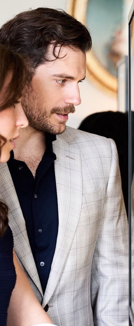 That enthralled look from you is the sexiest I've ever seen you give me Cavill...sigh!!! ;)