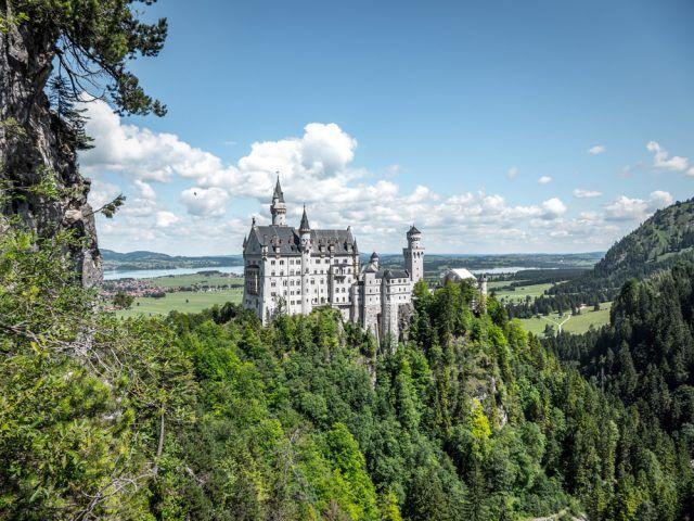 Fussen Im Allgau Neuschwanstein Mountainbiken Wandern Und Mehr Allgau Urlaub Neuschwanstein Reiseziele