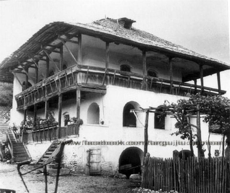 Targu Jiu - Gorj - Cula Cartianu din satul Cartiu ridicată la 1760