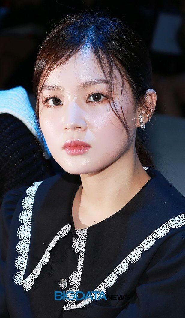 Pin By G Dragon On Lee Hi Kpop Girl Groups Hi Pics Female Artists