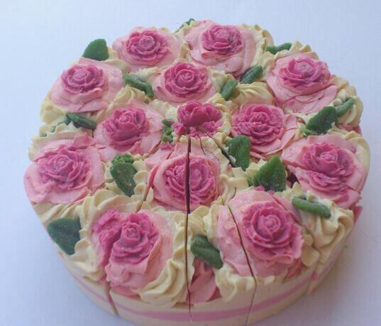 HANDMADE LE FLORISTE SOAP CAKE