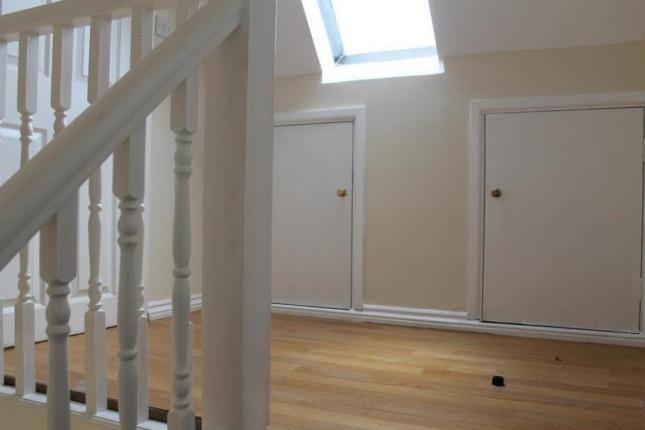 2 bed flat to rent in Highfield Lane, Southampton SO17 - £800 pcm