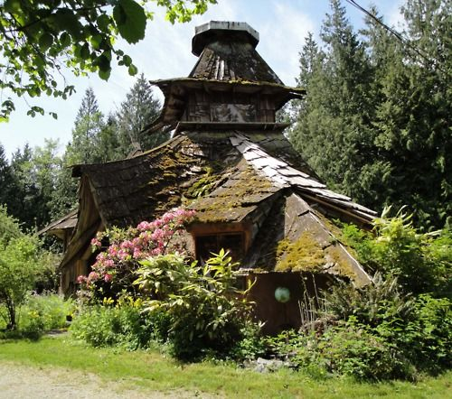 Witch Cottage: #Witch #Cottage. Earthhouse, by Sunray Kelley.