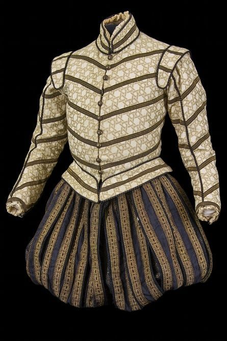 another possible hamlet style costume