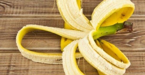 La buccia di banana non si butta! Ecco perché La banana è un frutto ricco di potassio, che ha un forte potere saziante e dolcificante. Si tratta di uno dei frutti più consumati al mondo, particolarmente indicato anche come ingrediente per la preparazione di dolci e frullati. Vedi anche: Banana Pancakes Spesso utilizziamo la banana […]