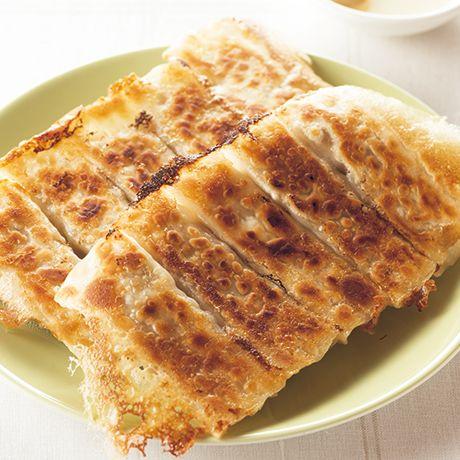 豚肉とれんこんの棒餃子 | 伊藤晶子さんの餃子の料理レシピ | プロの簡単料理レシピはレタスクラブネット