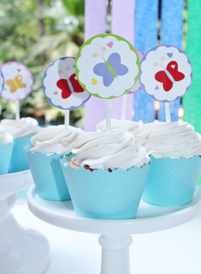 Las magdalenas de una fiesta de cumpleaños del unicornio del arco iris a través de ideas de la fiesta de Kara |  KarasPartyIdeas.com (17)