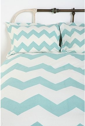 Chevron bedspread. Makes me think of my friend Jackie that loves this design.