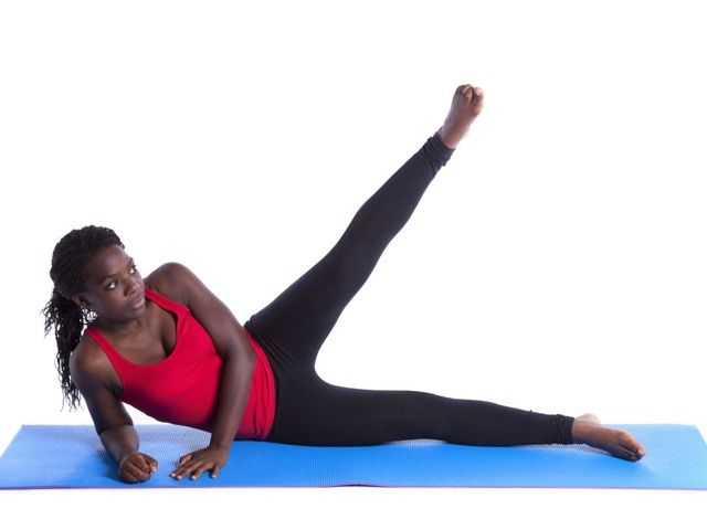 Mel B.: ćwiczenia na jędrne pośladki [trening 10 min.]