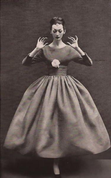Dovima wearing Balenciaga- 1950's Harper's Bazaar  photo by Richard Avedon