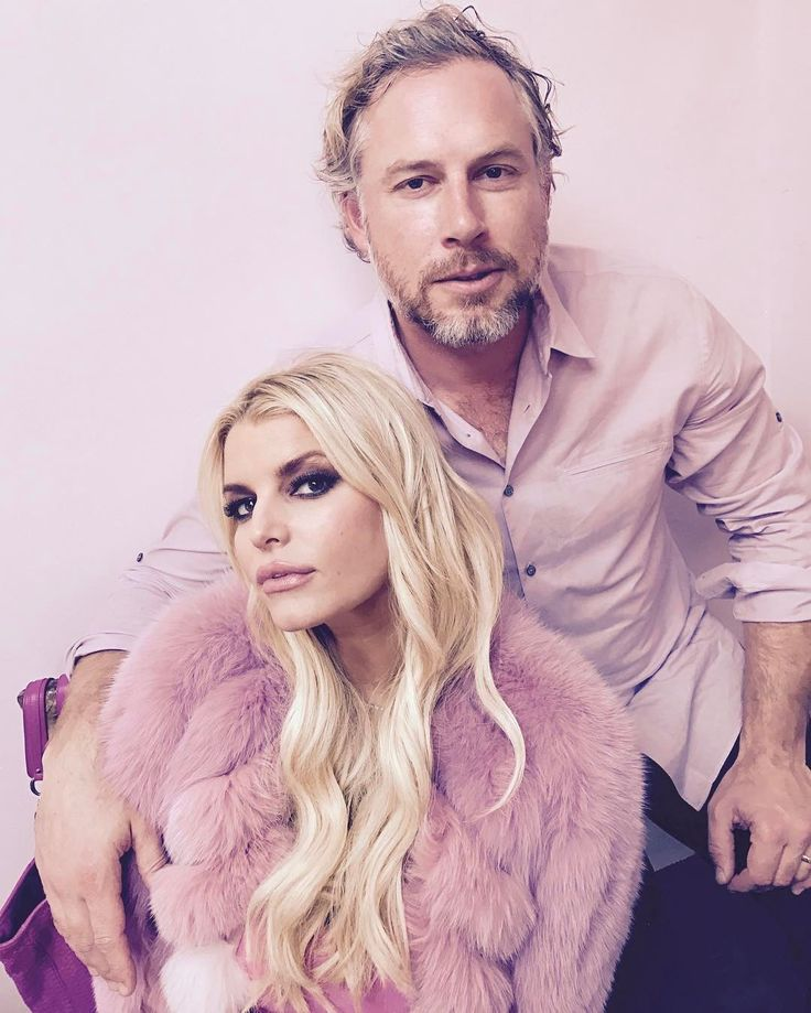 Jessica Simpson and Eric Johnson celebrate their 7th anniversary as couple  Jessica Simpson and her husband Eric Johnson celebrated their seventh anniversary as a couple this week.  #FashionStar #EllenDeGeneres #JessicaSimpson #AccessHollywood @FashionStar