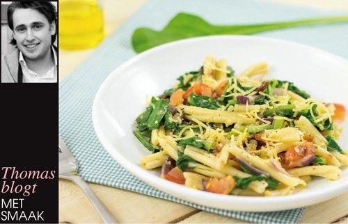 strozzapeti met #snijbiet, zongedroogde tomaten en parmezaanse kaas