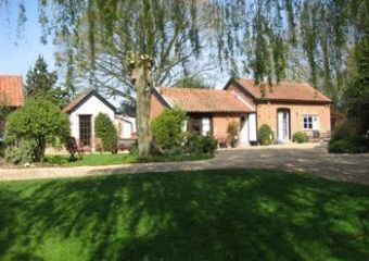 Daffodil Cottage at Thatched Farm Cottages  - Suffolk