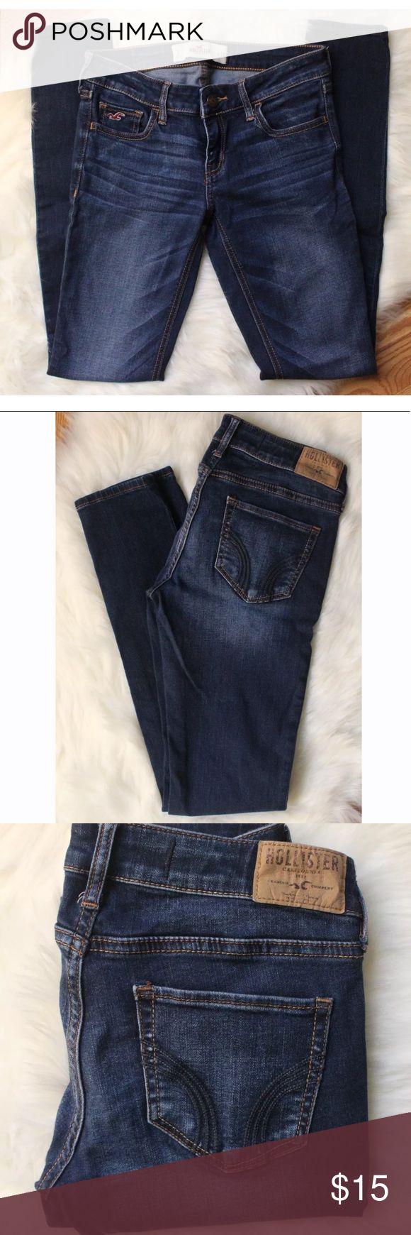 "Hollister straight Leg | Dark wash jeans Womens Hollister Straight Leg Dark Wash Jeans. Excellent condition! Size:3 Waist: 13"" Inseam: 30"" Hollister Jeans Straight Leg"