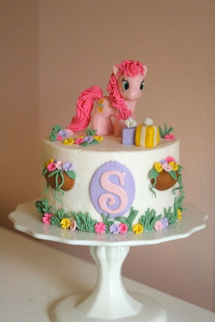 My Little Pony Birthday Cake with Pinkie Pie by Sarah Beth.  torta de cumpleaños para niña. Pastel