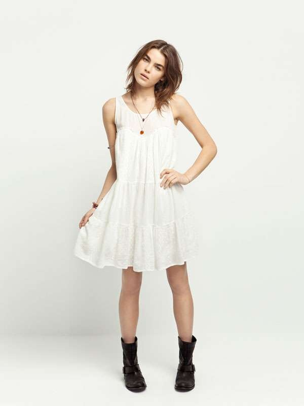 Punk Princess Photo Shoots - The Zara TRF May 2011 Lookbook Makes Girly Grunge Look Gorgeous (GALLERY)