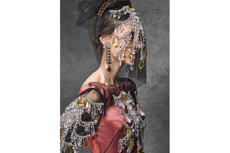 Dolce & Gabbana fall/winter 2016-17, abiti da gran gala per una splendida principessa